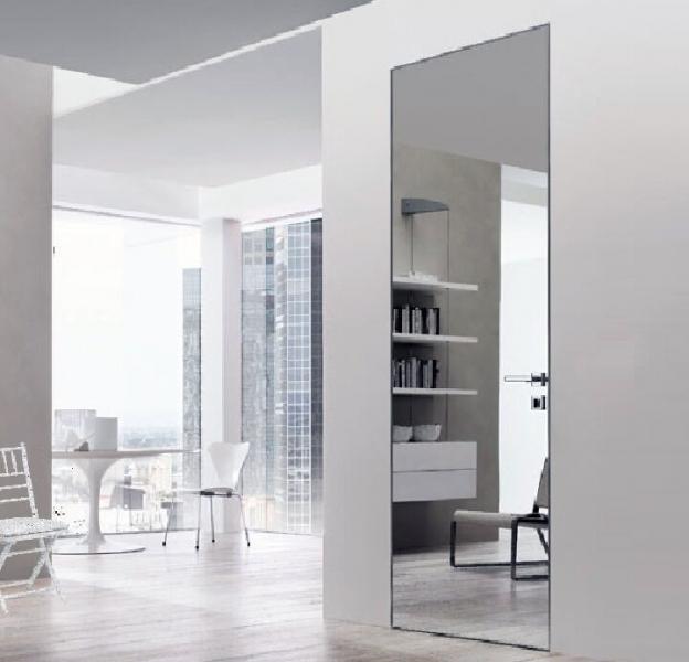 Двери с зеркалом серебро скрытого монтажа Secret Doors