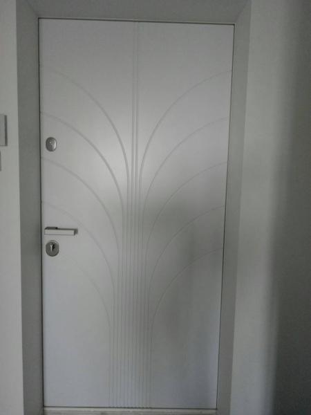 Двери входные F-10