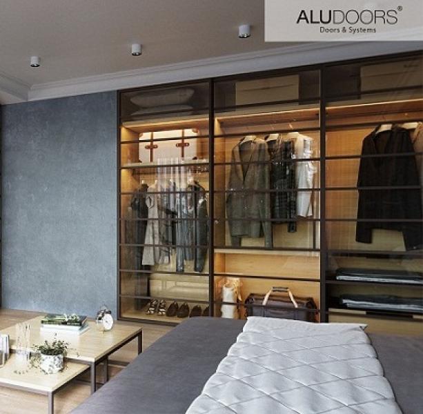 Двери раздвижные AluDoors Line из алюминия и стекла