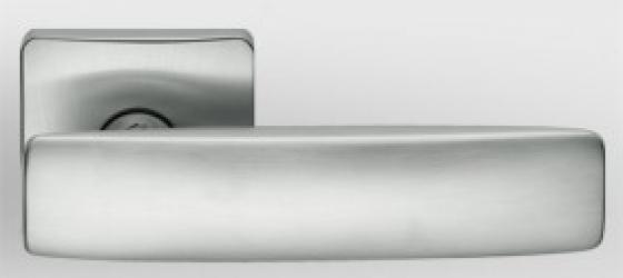 Фото Производитель Ручки COLOMBO (Италия) Дверные ручки модели Bold матовый хром