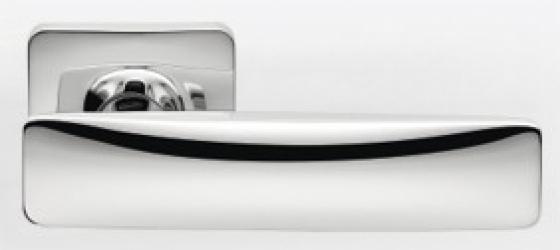 Фото Производитель Ручки COLOMBO (Италия) Дверные ручки модели Bold полированный хром