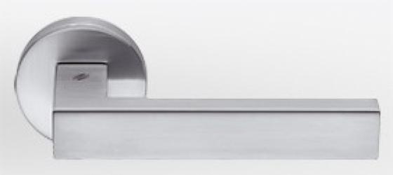 Фото Производитель Ручки COLOMBO (Италия) Дверные ручки модели Elle матовый хром