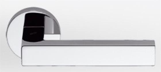 Фото Производитель Ручки COLOMBO (Италия) Дверные ручки модели Elle полированный хром