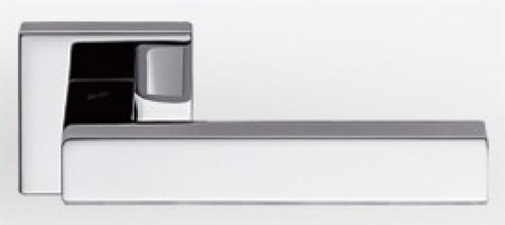 Фото Производитель Ручки COLOMBO (Италия) Дверные ручки модели Ellesse полированный хром