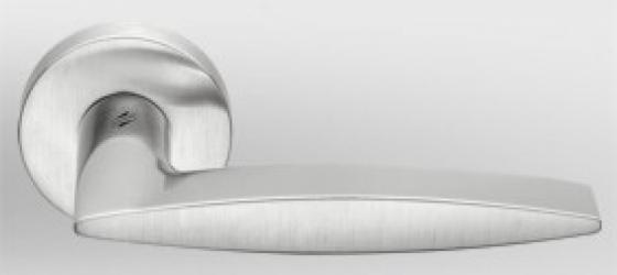 Фото Производитель Ручки COLOMBO (Италия) Дверные ручки модели Gaia матовый хром