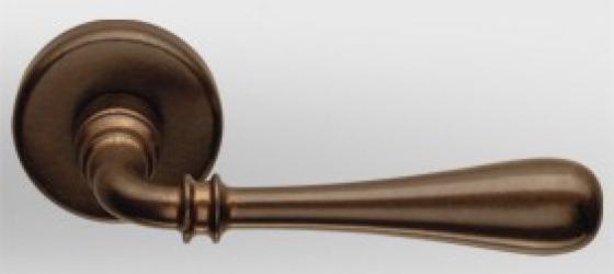 Фото Производитель Ручки COLOMBO (Италия) Дверные ручки модели Ida античная бронза