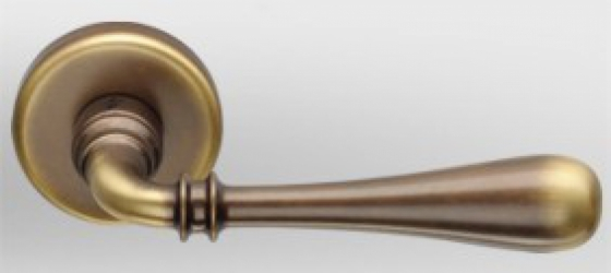 Фото Производитель Ручки COLOMBO (Италия) Дверные ручки модели Ida бронза