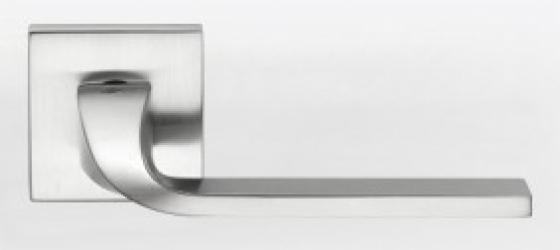 Фото Производитель Ручки COLOMBO (Италия) Дверные ручки модели Isy матовый хром
