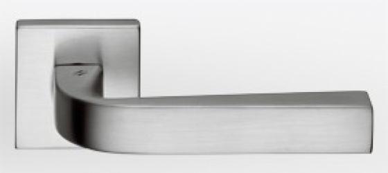 Фото Производитель Ручки COLOMBO (Италия) Дверные ручки модели Prius матовый хром