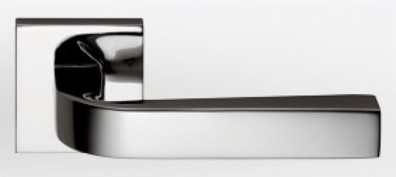 Фото Производитель Ручки COLOMBO (Италия) Дверные ручки модели Prius полированный хром