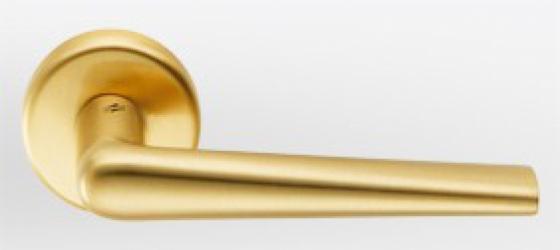 Фото  COLOMBO (Италия) Дверные ручки модели Robotre матовое золото