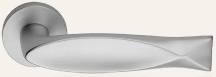 Фото Производитель Ручки LINEA CALI (Италия) Ручки Fish матовый хром