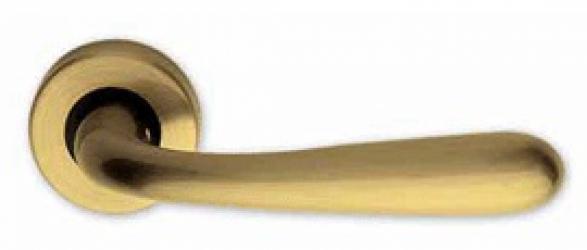 Фото Производитель Ручки LINEA CALI (Италия) Ручки Garda матовое золото